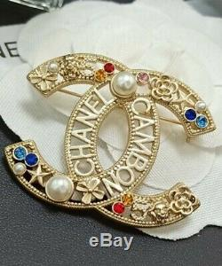 2020 CHANEL CC Logo Signature Classic Crystal Pearl Beautiful Brooch Multi color
