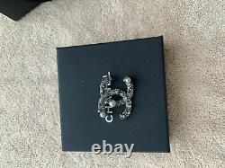 Authentic CHANEL CC Logo Signature Gold/Black Crystal Beautiful Small Brooch
