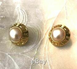 Authentic CHANEL Earrings Vintage Pearl Clip-on Goldtone CC Logo USED CE0023