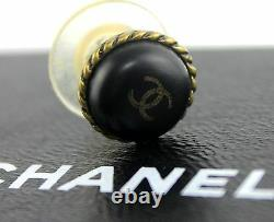 Authentic Chanel CC-logo Black Round Rubber Grip Hook On Earrings France Vintage