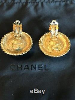 Beautiful VTG CHANEL FAUX PEARL & BRAIDED Gold Clip-On EARRINGS France