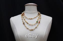 CHANEL 1985 Beautiful gilted metal necklace with faux pearl and colorful beads