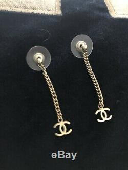 CHANEL Authentic Earrings, Dangle, Vintage, Gold