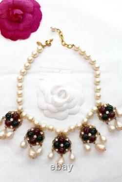 CHANEL Beautiful evening beaded necklace with Gripoix pendants