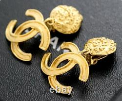 CHANEL CC Logos Dangle Earrings Gold Tone Vintage 95A withBOX excellent