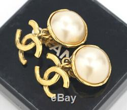 CHANEL CC Logos Pearl Dangle Earrings Gold Tone Vintage 93P withBOX v1874