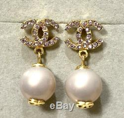 CHANEL CC Logos Pink Rhinestone Pearl Drop/Dangle Earrings Gold-tone j648