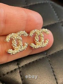 CHANEL EARRINGS Faux Pearls CC logo Swirl Mini Earrings