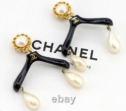 CHANEL Hanger Motif Dangle Earrings Black Resin withBOX Very RARE m9256