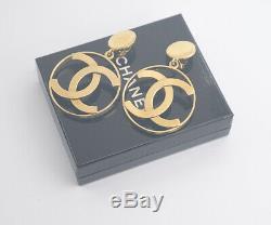 CHANEL Jumbo CC Logos Dangle Earrings Gold Tone Clips withBOX v1656