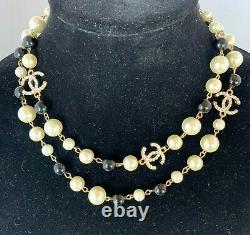 CHANEL VIP Gift Beauty CC logo With Pearls Gold Tone Metal Necklace