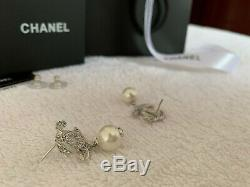 Chanel Antique Stud Rare Beautiful 18K-white-gold CC classic pierce earrings