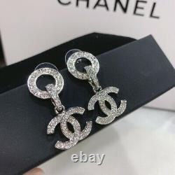 Chanel fashion pair C earrings are gorgeous. This is really super beautiful