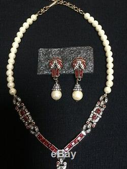 HEIDI DAUS Art Deco Pendant Necklace and Matching Earrings