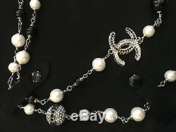 Stunning CHANEL Classic Black White CC Crystal Rhinestones Chain Necklace NIB
