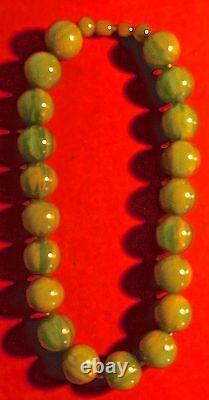 Very beautiful NECKLACES, art deco, bakelite greenvintage