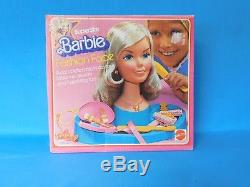 Vintage 1976 Barbie Superstar Fashion Face Beauty Center Make-up Jewelry + Box